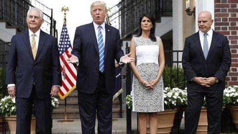 Donald-Trump-entre-Rex-Tillerson-y-Nikki-Haley-con-el-general-H.R.-McMaster-la-la-derecha.-AP-580x327